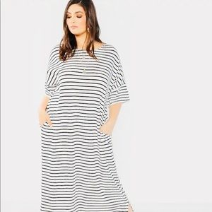 Dresses & Skirts - Stripe plus size dress